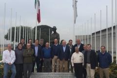 07. Con la estatua de Borlaug en El Batan